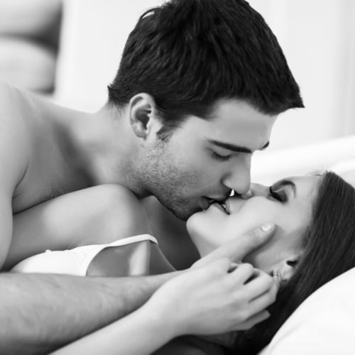 Erkek Yatakta Nasıl Mutlu Olur Ne Yapmalı?